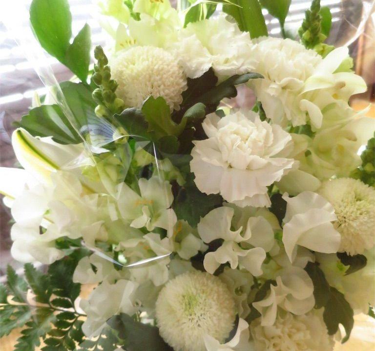 楽天フラワーキッチンでお供えのお花をオーダー