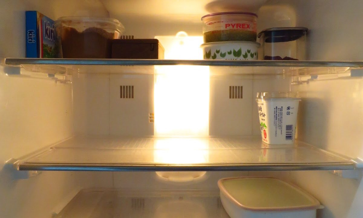 ミニマリストの冷蔵庫の中の様子
