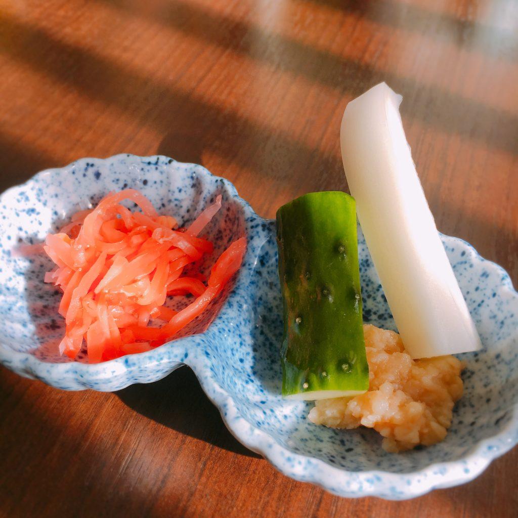 ダイニング清の手作り紅ショウガと手作り味噌野菜スティック