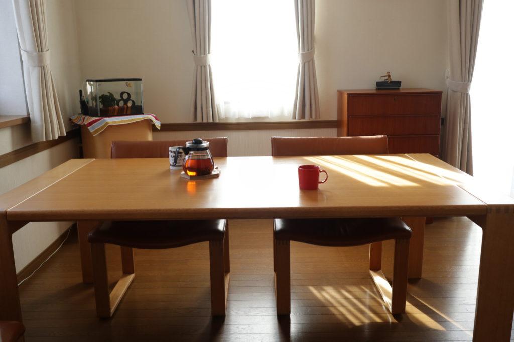 カンディハウスのボルスダイニングテーブル