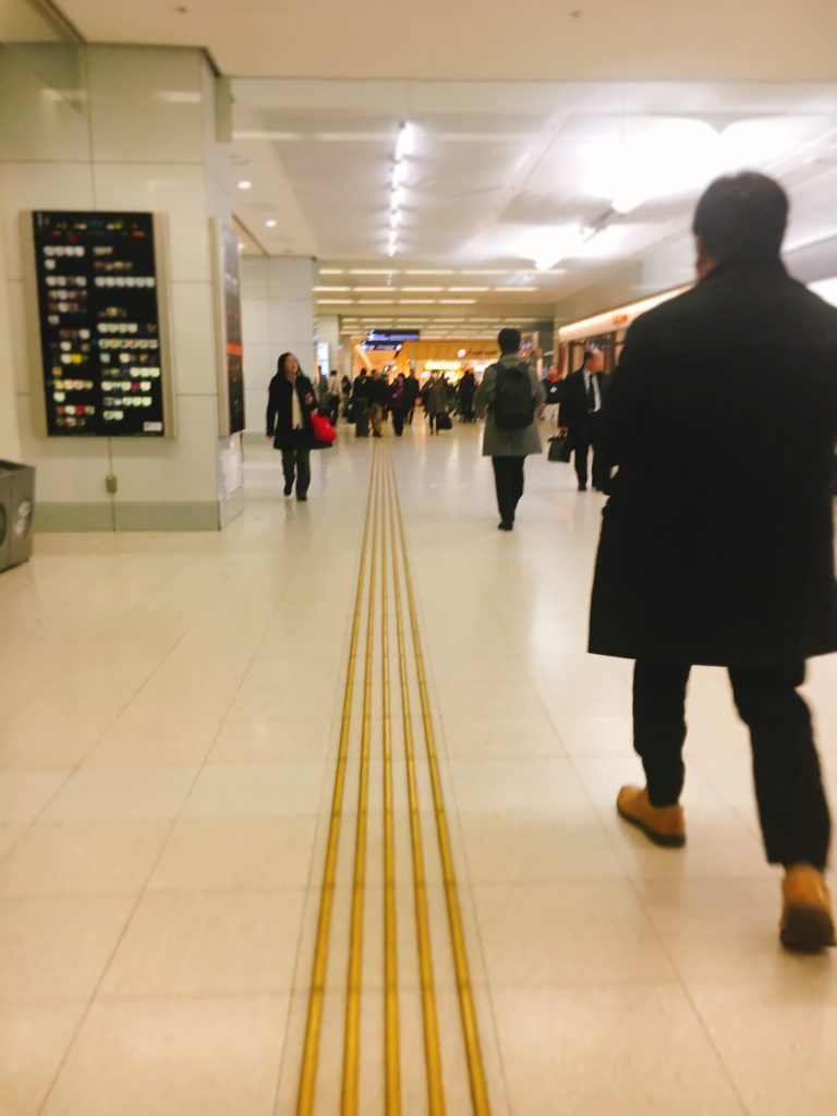羽田空港到着ロビー