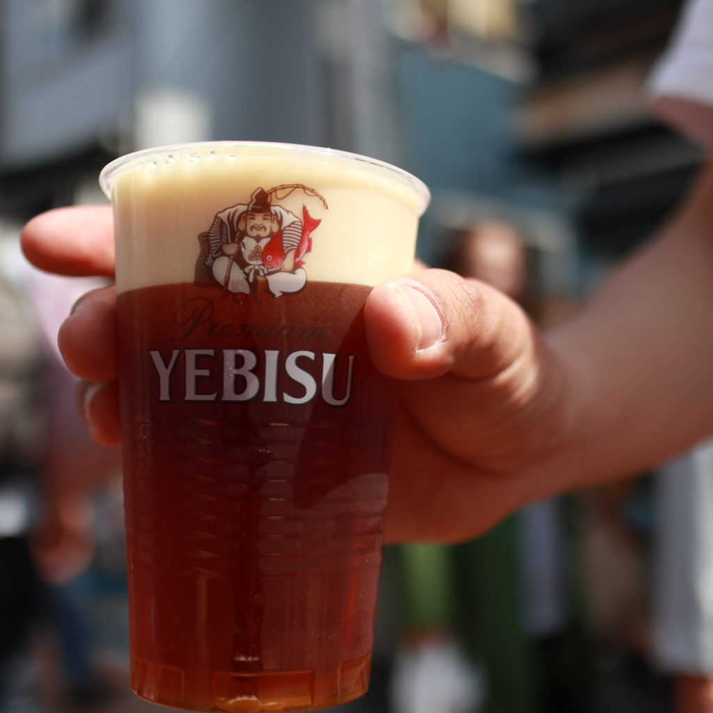 谷中銀座でビール飲み歩き