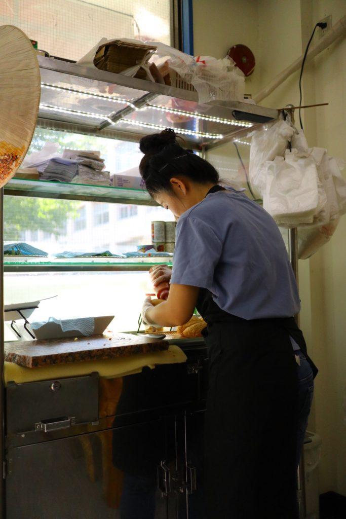 横浜のいちょう団地、金春「バインミーヴィエ」