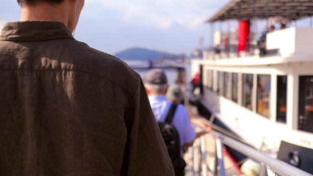 横須賀「YOKOSUKA軍港めぐり」クルージングツアー