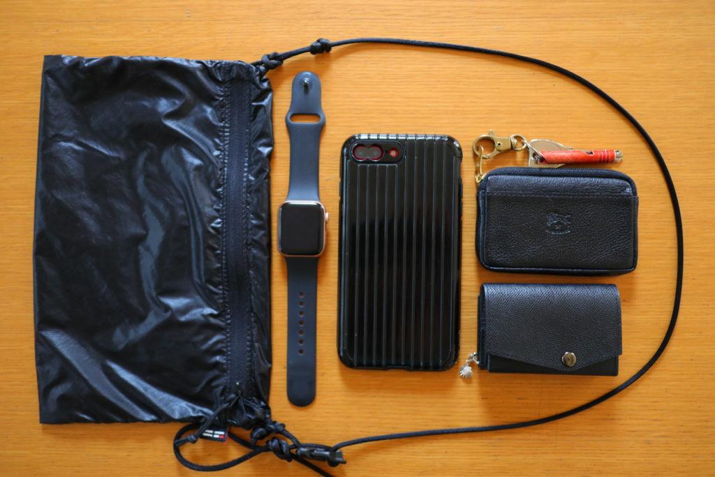 abrAsusアブラサスの小さい財布でお出かけの荷物をミニマム化