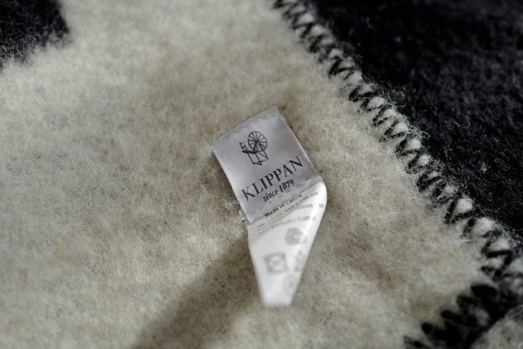北欧スウェーデンのウールブランケットクリッパン(KLIPPAN)をベッドで寝具として使っています。