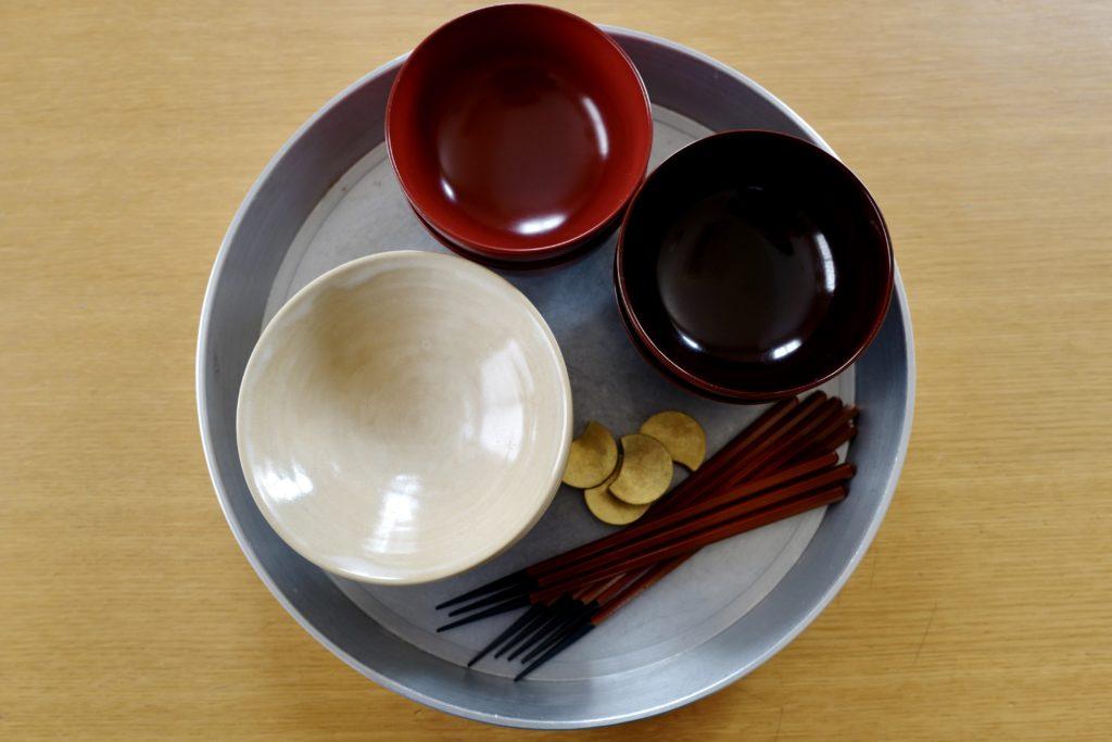 お茶碗、お椀、お箸は家族全員一緒のものを使って家事をラクに。