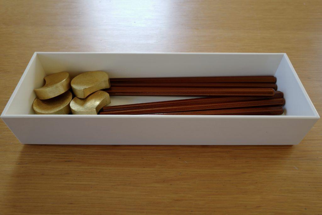 カトラリーケースを、ケユカのプラスチック製ボックスから東屋「箸箱胡桃油仕上」へ