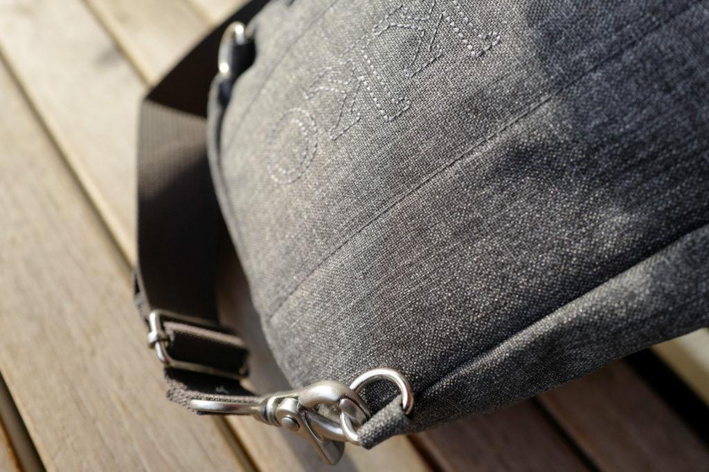 マリメッコ「コルッテリ」クロスボディはミニマリストにぴったりなバッグ