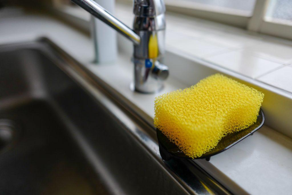 毎月はじめに必ずやる、ルーティン家事5つ:食器洗いスポンジの交換