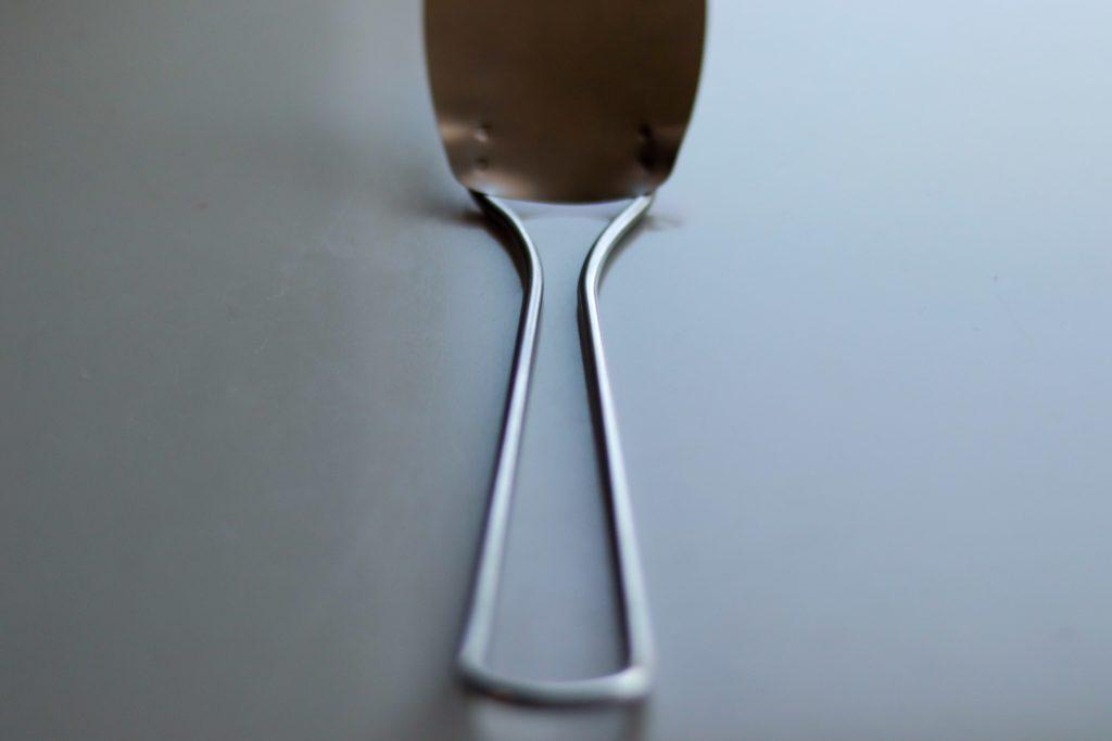 megumi fujiiのステンレスフレキシブルターナー小サイズは鉄フライパンにぴったり
