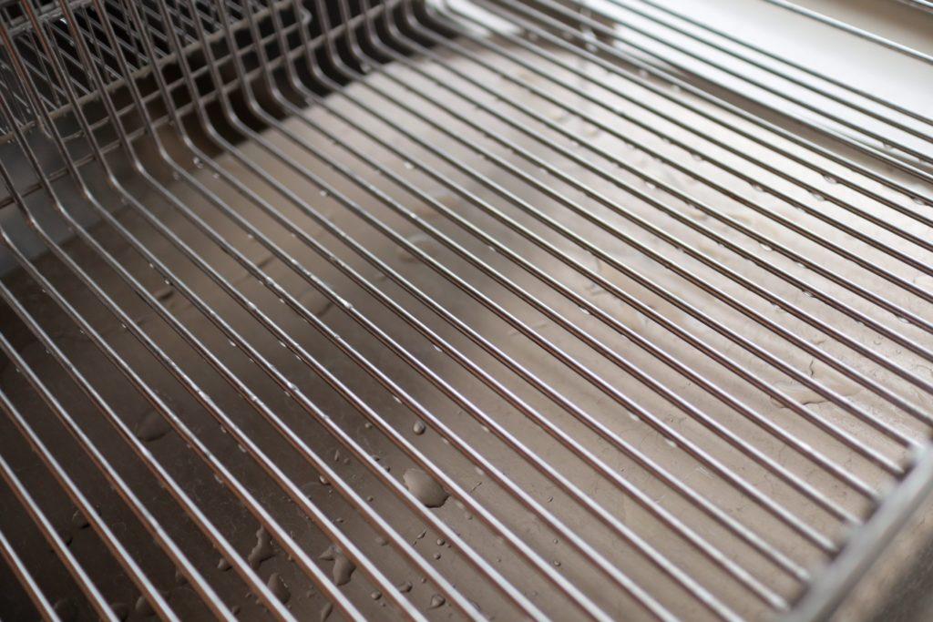 ラ・バーゼの水切りかごはワイヤーがまっすぐですっきり
