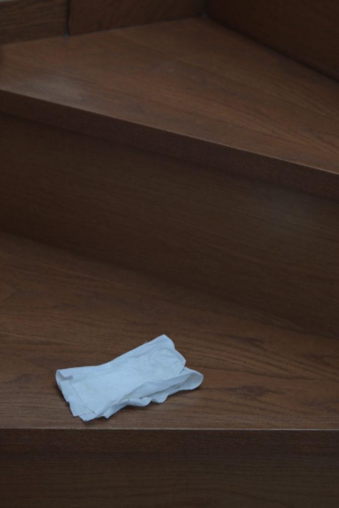 フロア用ウェットシートで階段掃除がラク