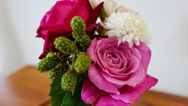 週に1度、娘チョイスのお花を飾る習慣ができました。
