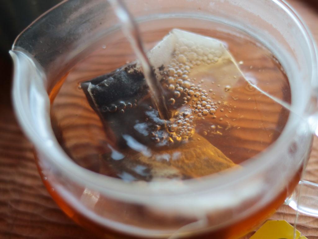 ラクシュミー「極上はちみつ紅茶」が家や山歩きのひとやすみにぴったりでおすすめ