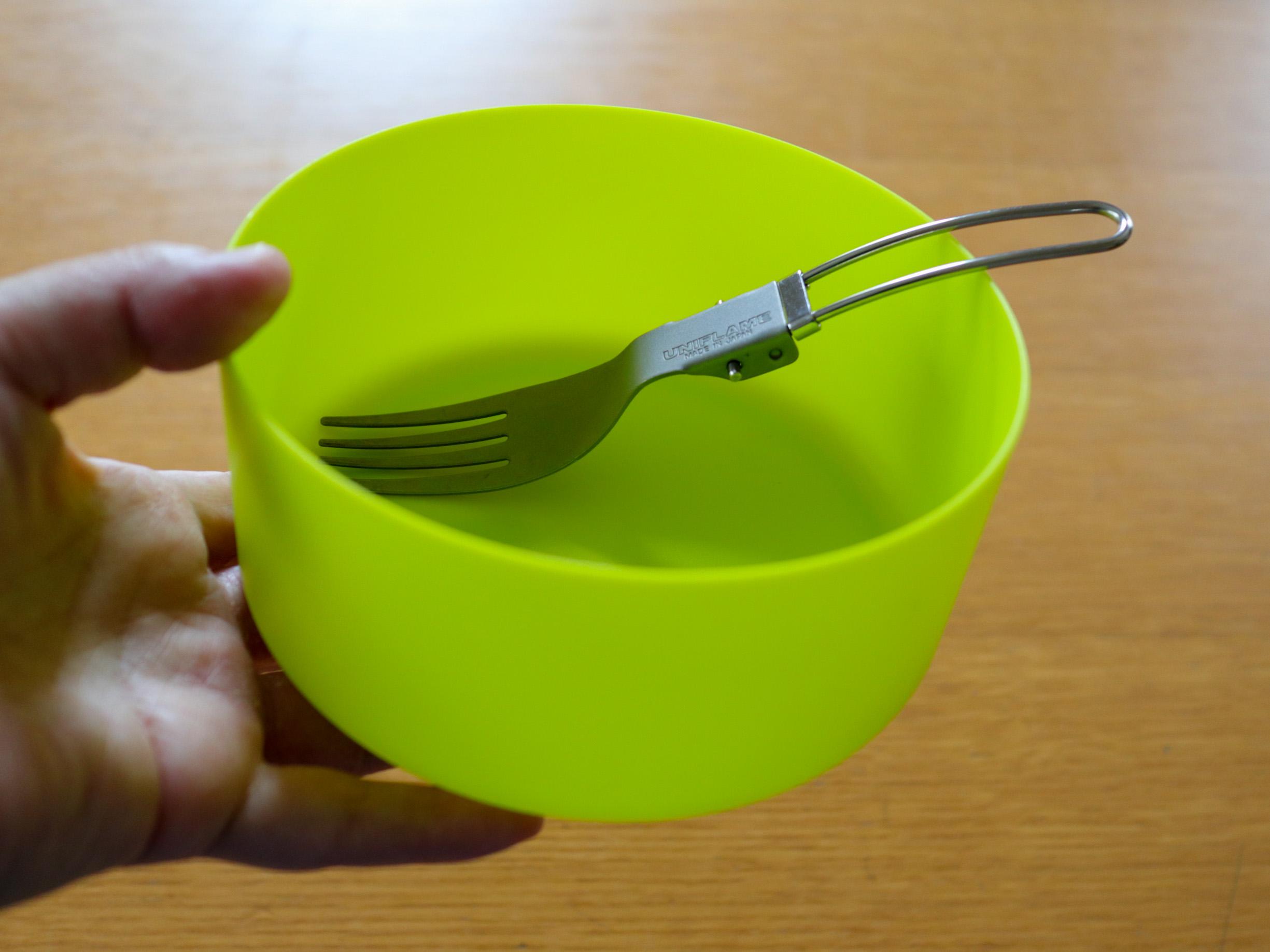 【ソロキャン用食器】MSRのディープディッシュボウルが、かるくて丈夫で手に持ちやすくてとても便利です。