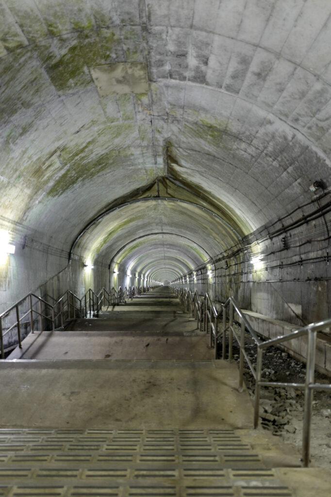 ホームまで階段462段!の土合駅でひんやり体験