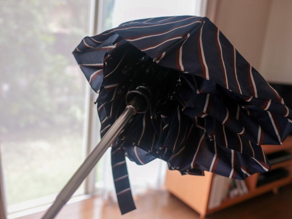 ミニマリストの傘は、晴雨兼用折り畳み傘で決まり